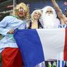 Avant la rencontre, quelques irréductibles Gaulois venus encourager les hommes de Didier Deschamps.