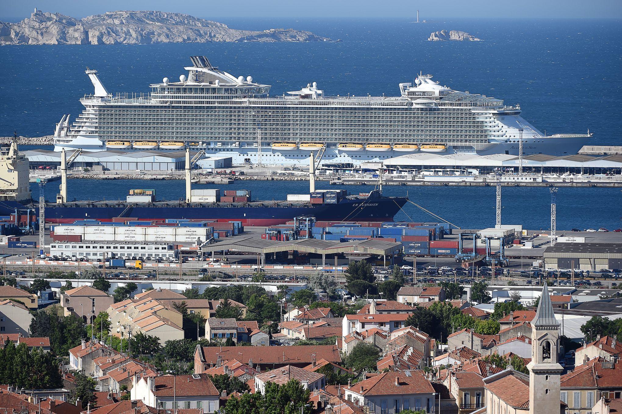Le Plus Grand Paquebot Du Monde Fait Escale A Marseille