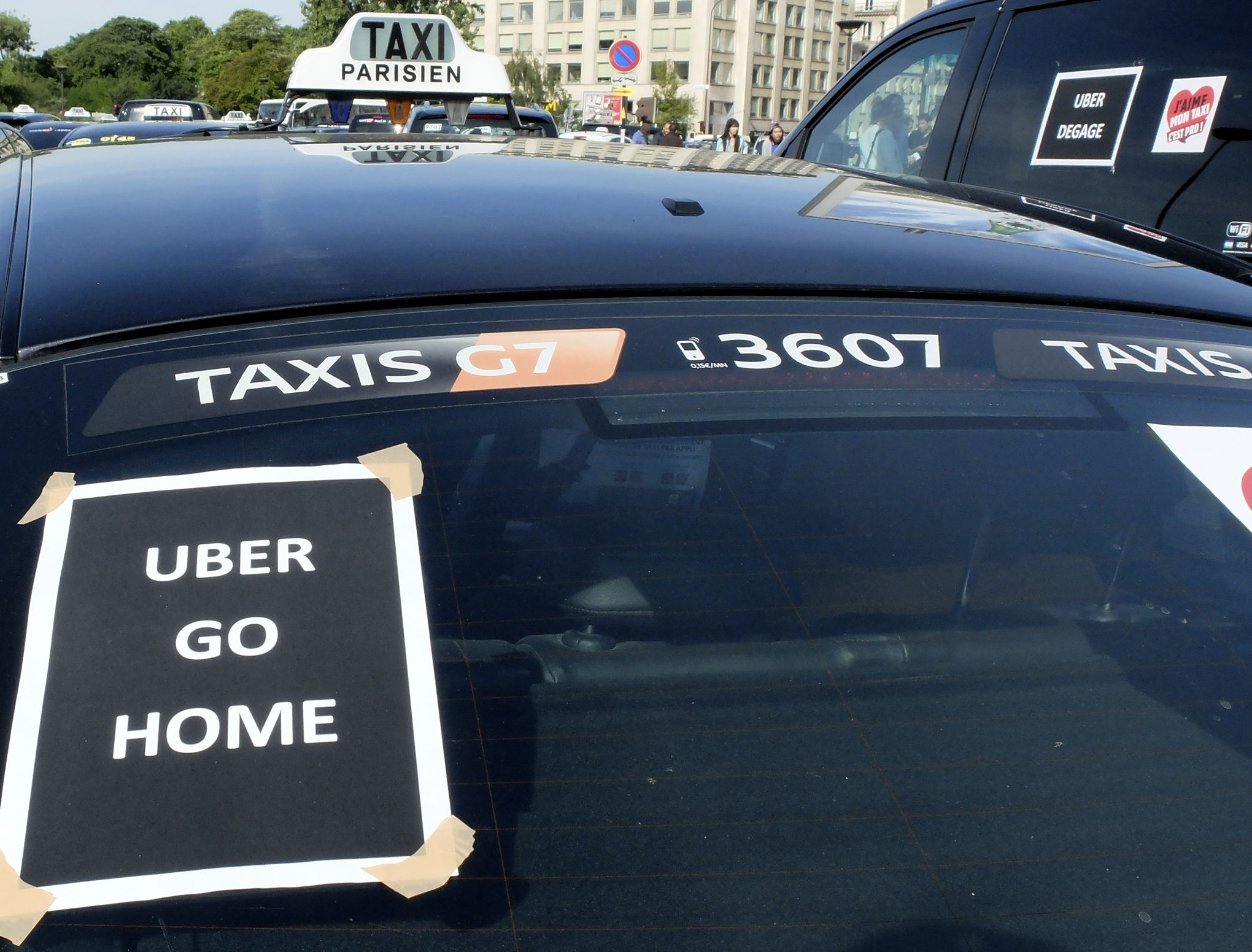 gr ve des taxis les raisons de la col re. Black Bedroom Furniture Sets. Home Design Ideas