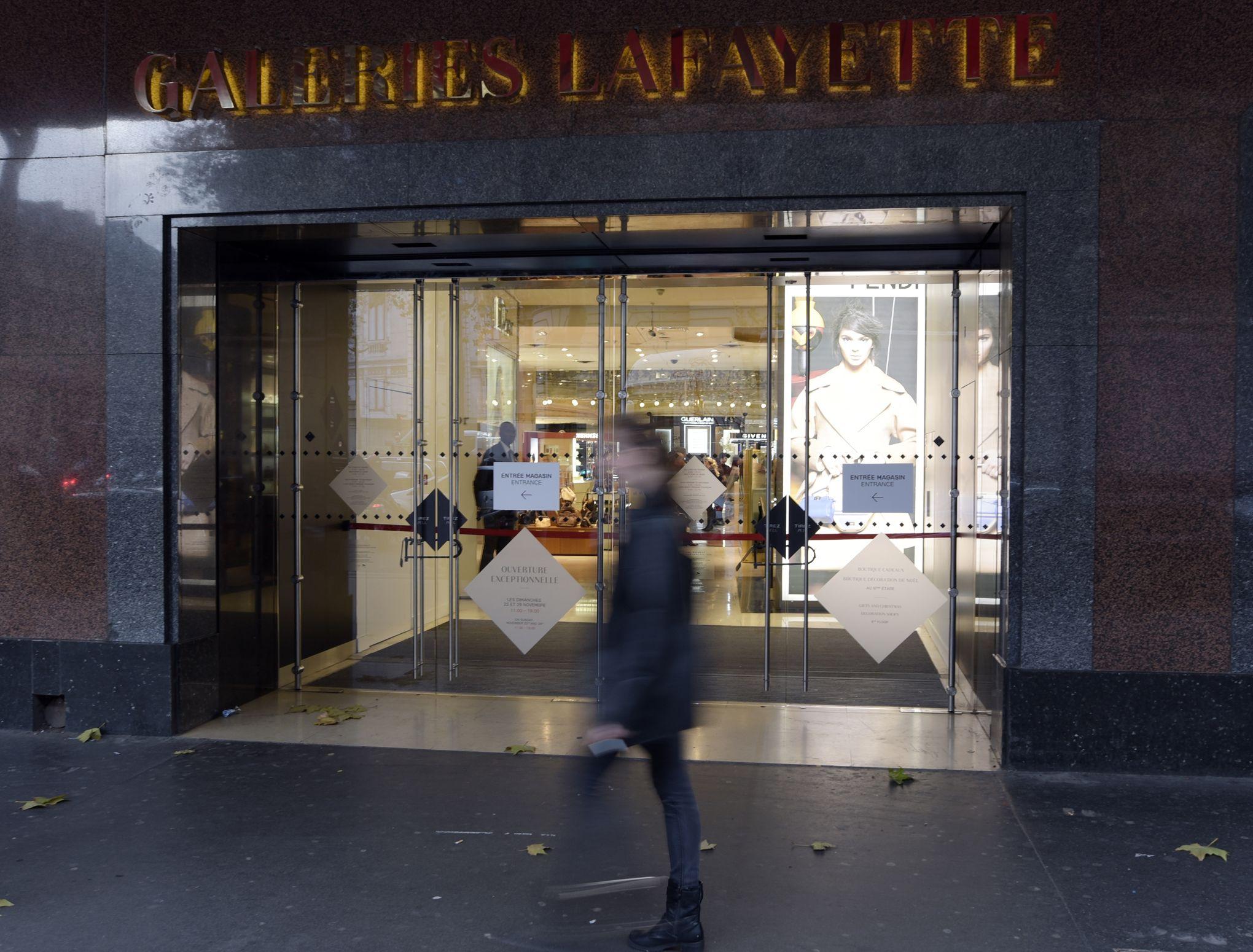 À un mois de Noël, les Français désertent les magasins de centre-ville