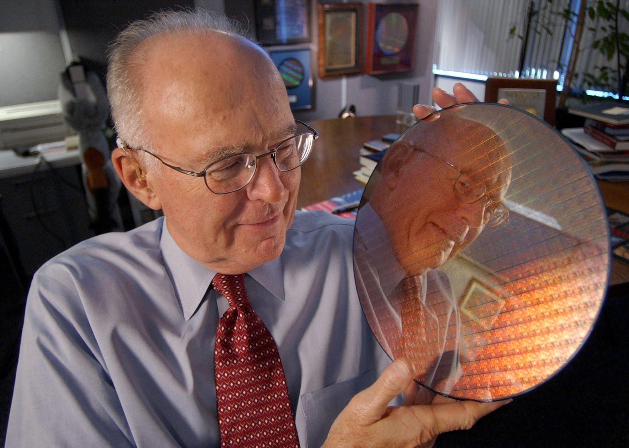 L'industrie des microprocesseurs s'apprête à rompre avec la loi de Moore