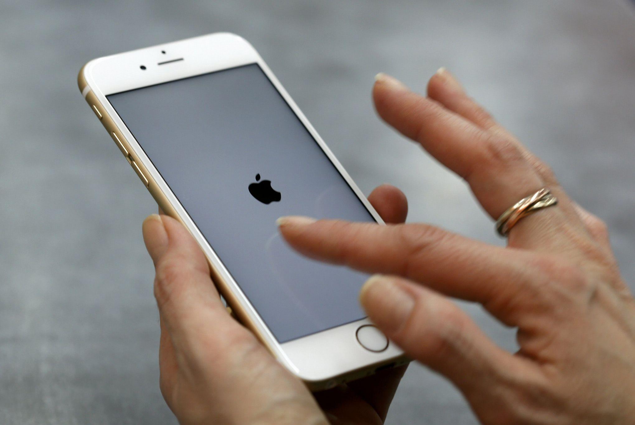 apple refuse d 39 aider d bloquer l 39 iphone d 39 un des auteurs de la tuerie de san bernadino. Black Bedroom Furniture Sets. Home Design Ideas