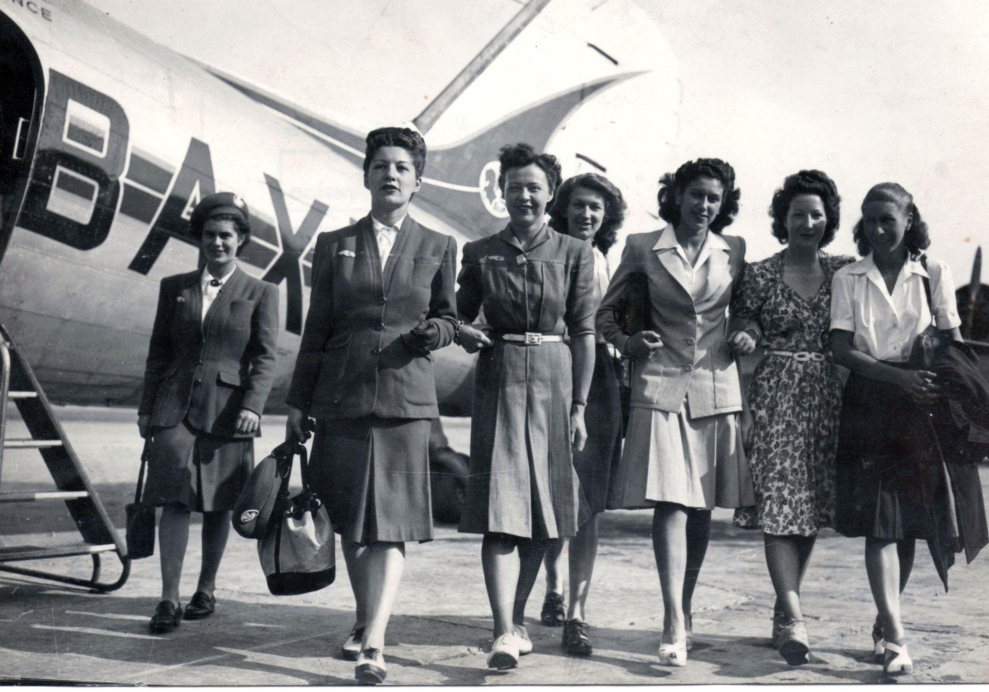 Les Premieres Hotesses De L Air Une Revolution Dans Le Ciel De 1946