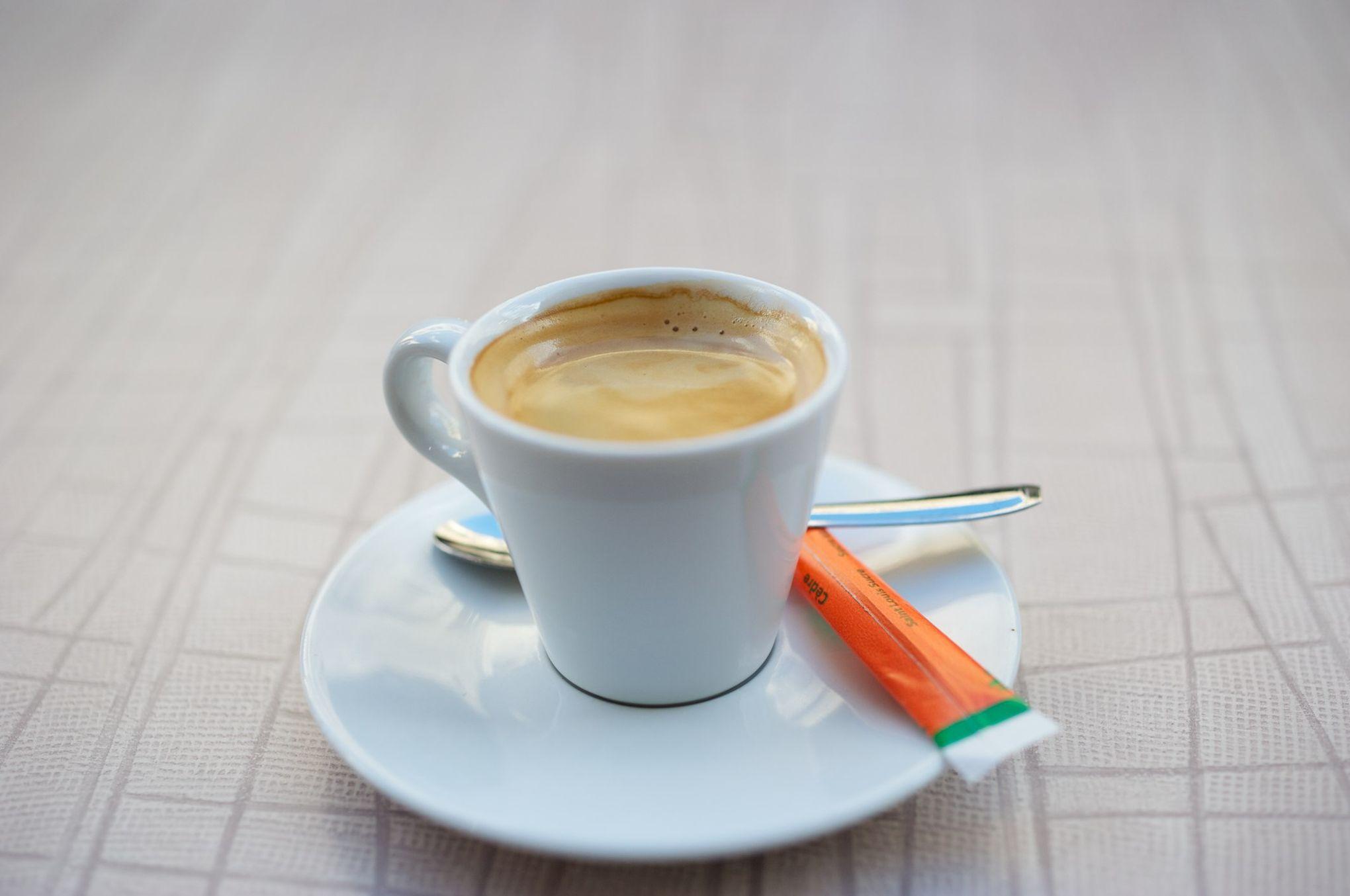 combien de temps devez vous travailler pour vous payer un caf une t l ou une voiture. Black Bedroom Furniture Sets. Home Design Ideas