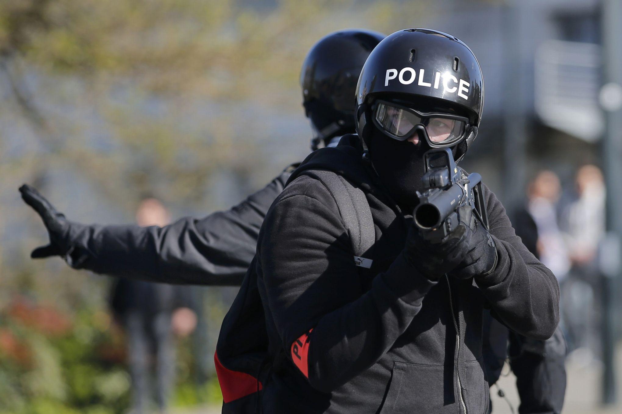 videos manifestations violentes en france