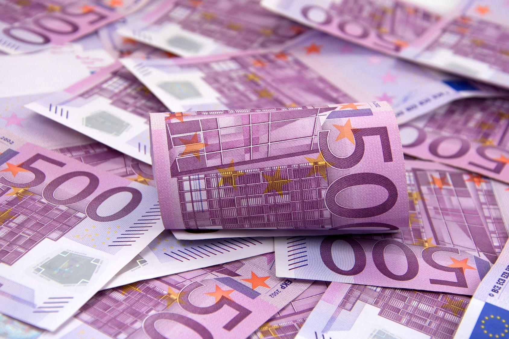 la bce va cesser d 39 imprimer les billets de 500 euros fin 2018. Black Bedroom Furniture Sets. Home Design Ideas