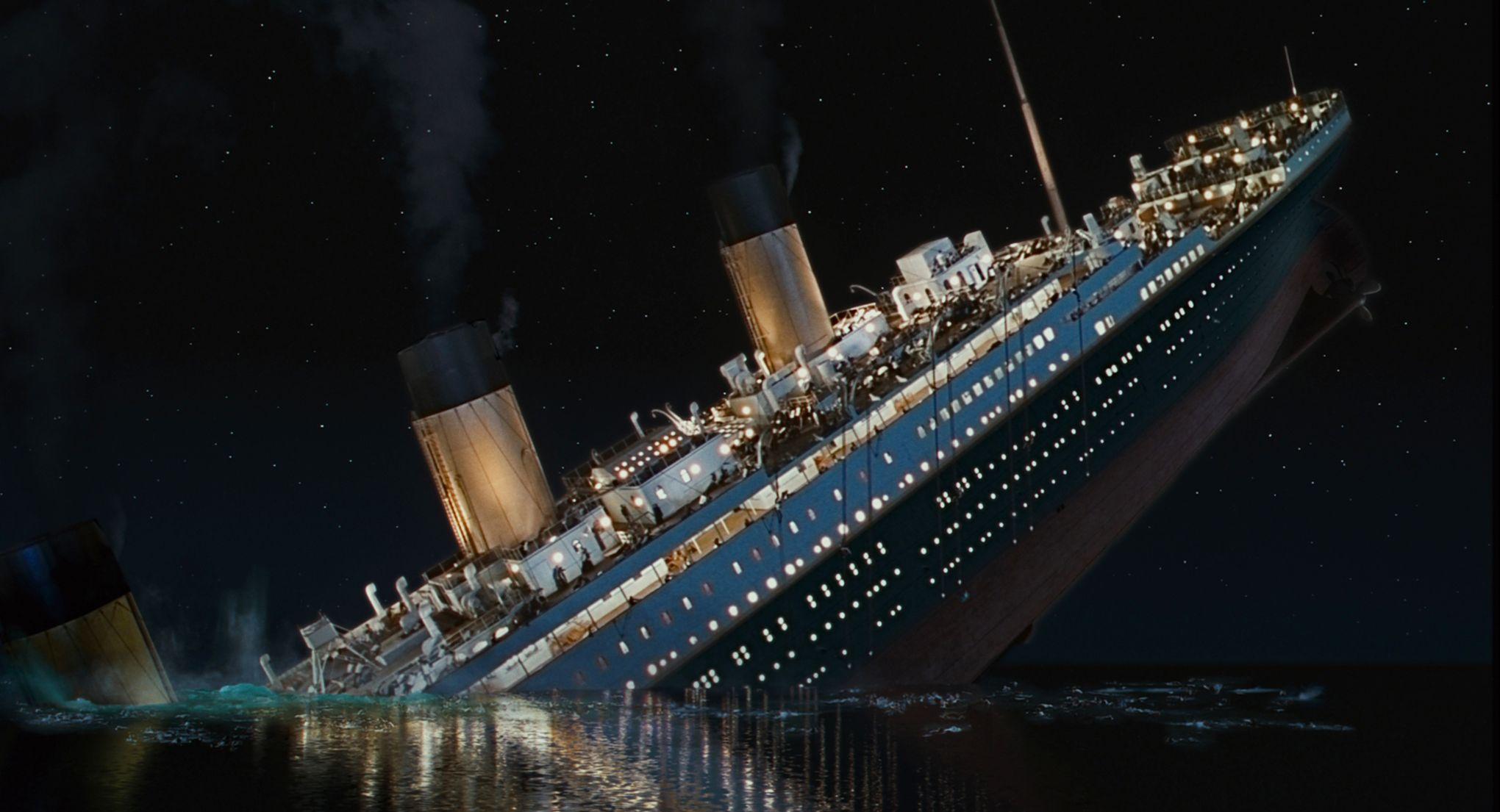 """Résultat de recherche d'images pour """"titanic coule"""""""