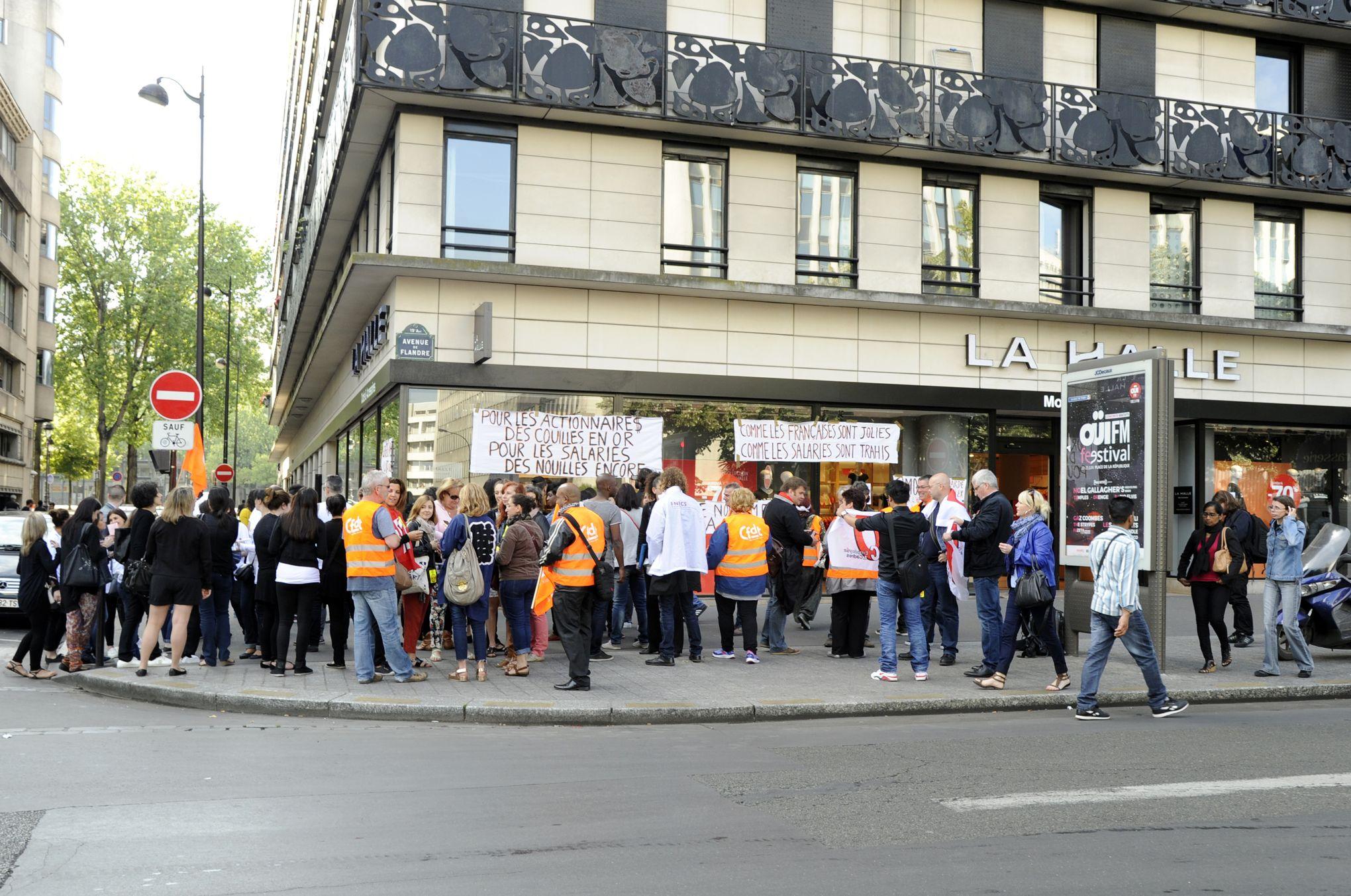 e276fc81e349ee Rassemblement pour l'emploi devant le siège de Vivarte