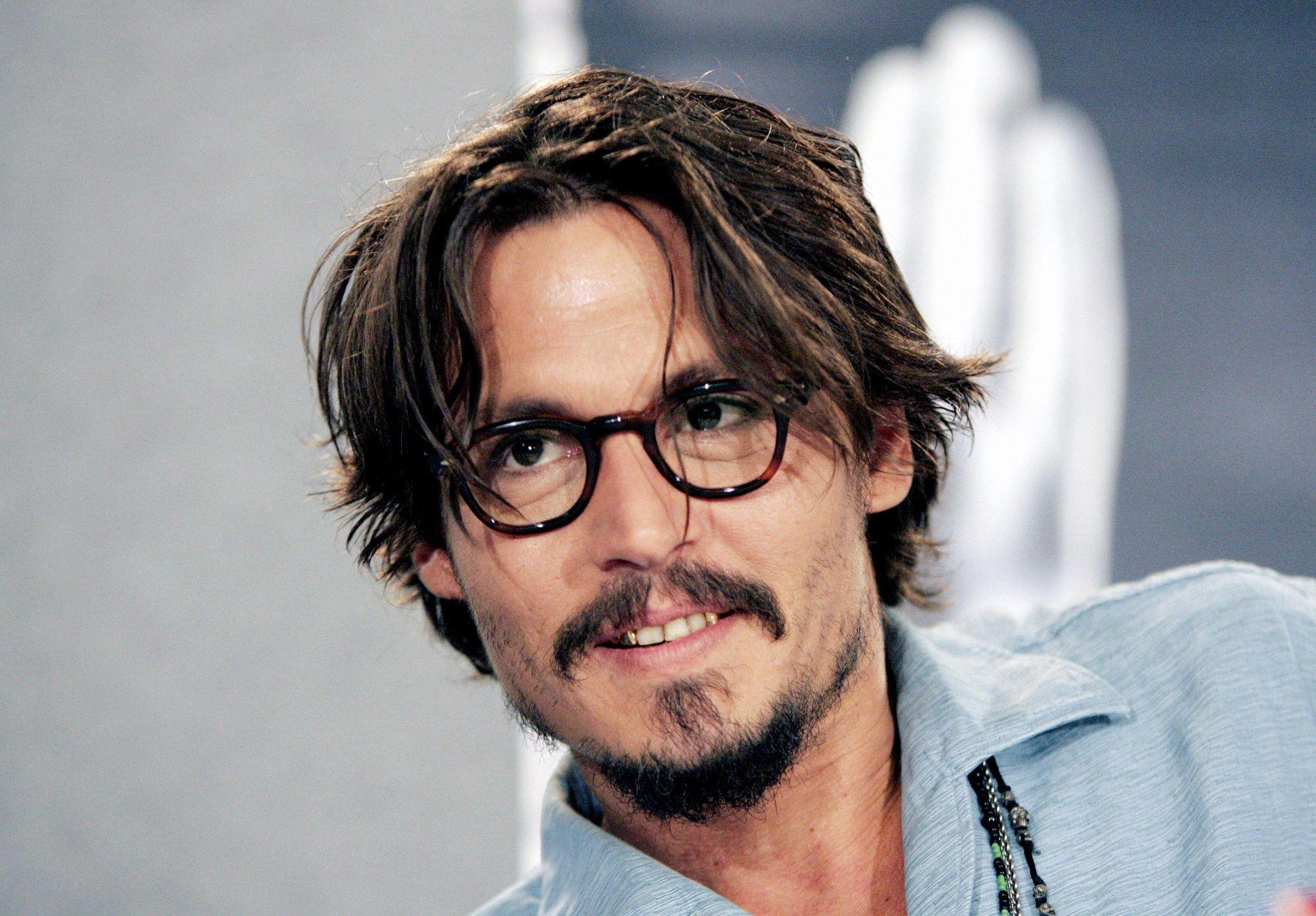 0312a890ddff Mode homme  comment bien choisir ses lunettes