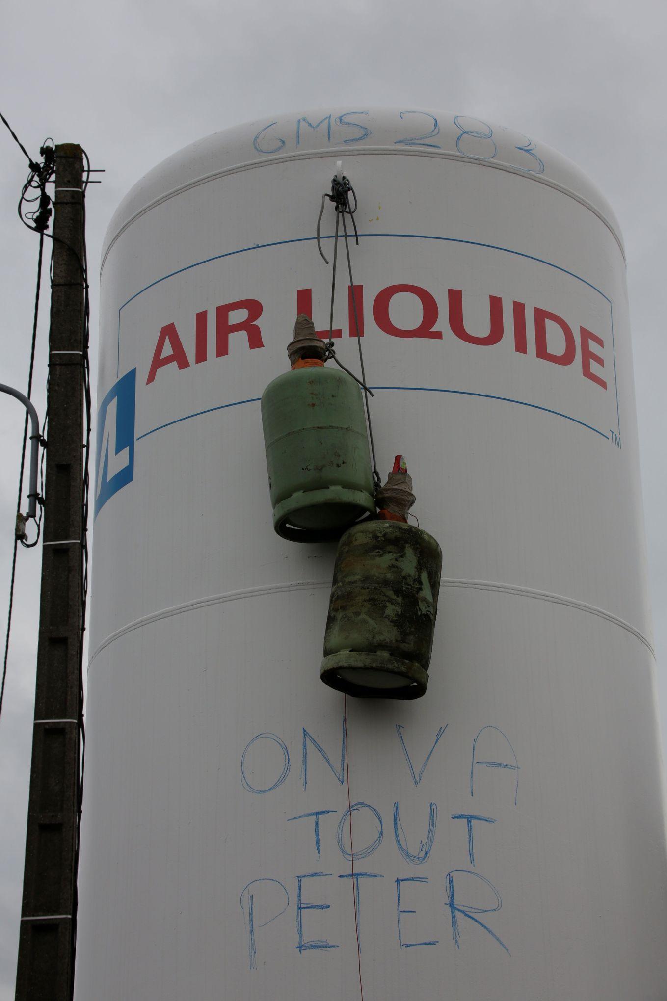 """Résultat de recherche d'images pour """"on va tout péter GM&S bouteille s de gaz"""""""