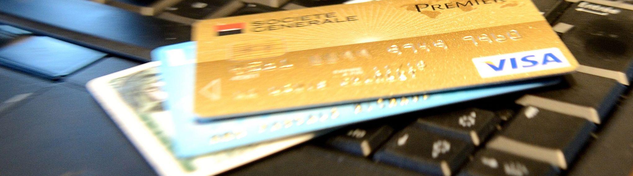 Carte Bleue Riche.Votre Empreinte Digitale Remplacera Bientot Le Code De Carte