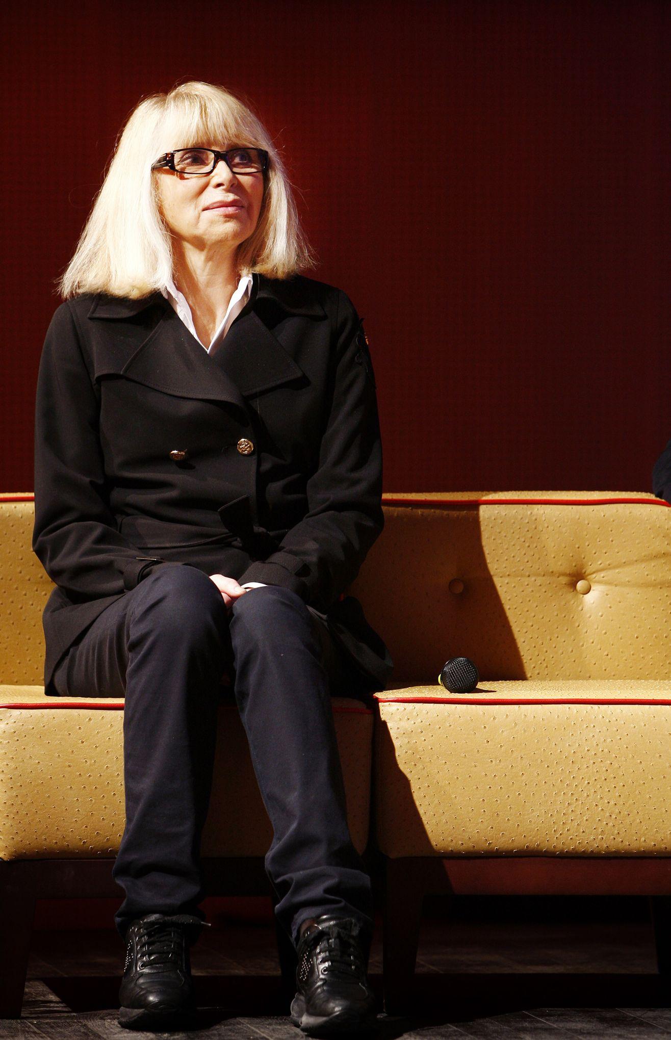 c29ab85e6c31 L actrice et réalisatrice Mireille Darc est décédée