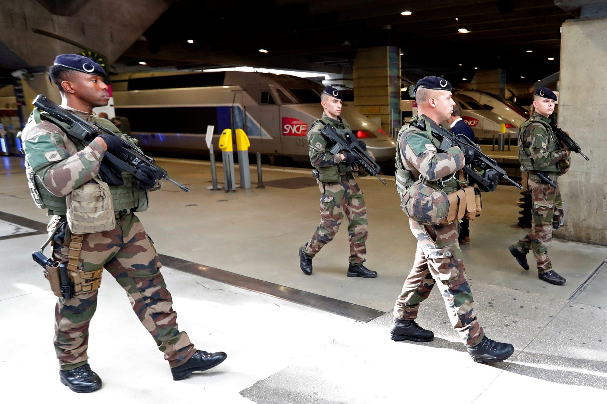 célibataires militaires site de rencontre Milan rencontres scène