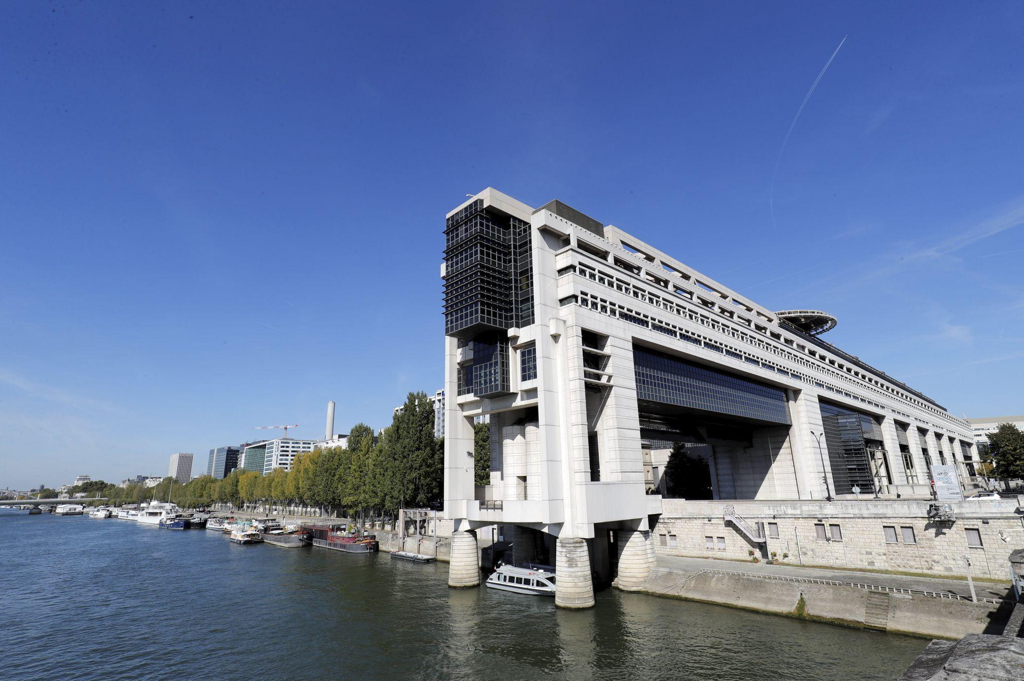 La Cour Des Comptes Epingle Les Salaires De Bercy