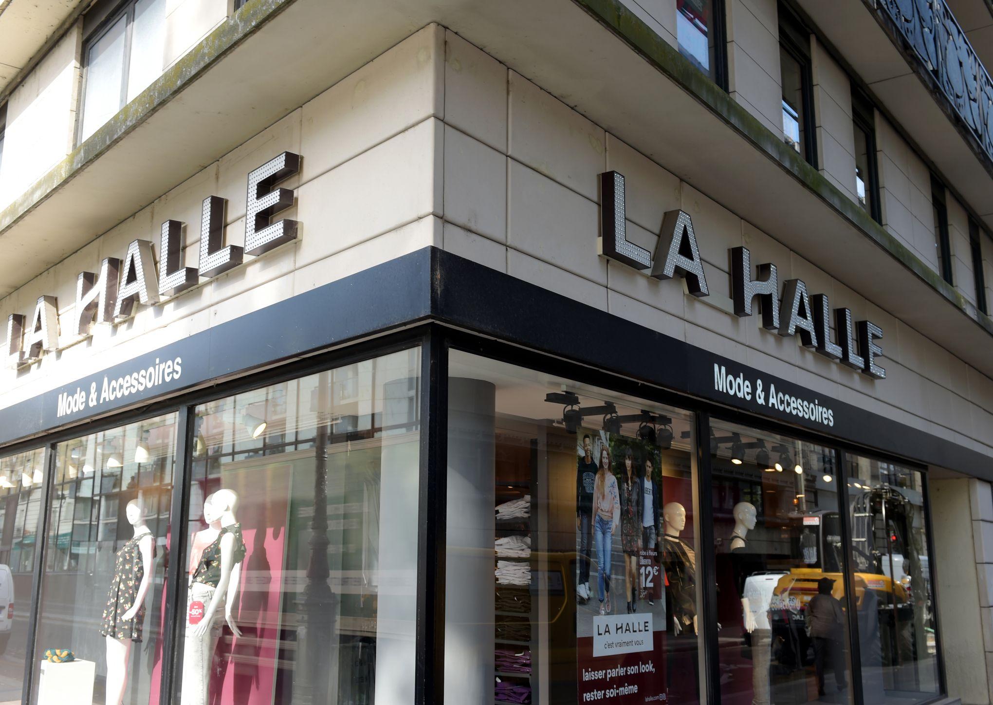 83fa5932a8 La Halle demande à ses employés «d'oublier» les réductions auxquelles ont  droit les clients