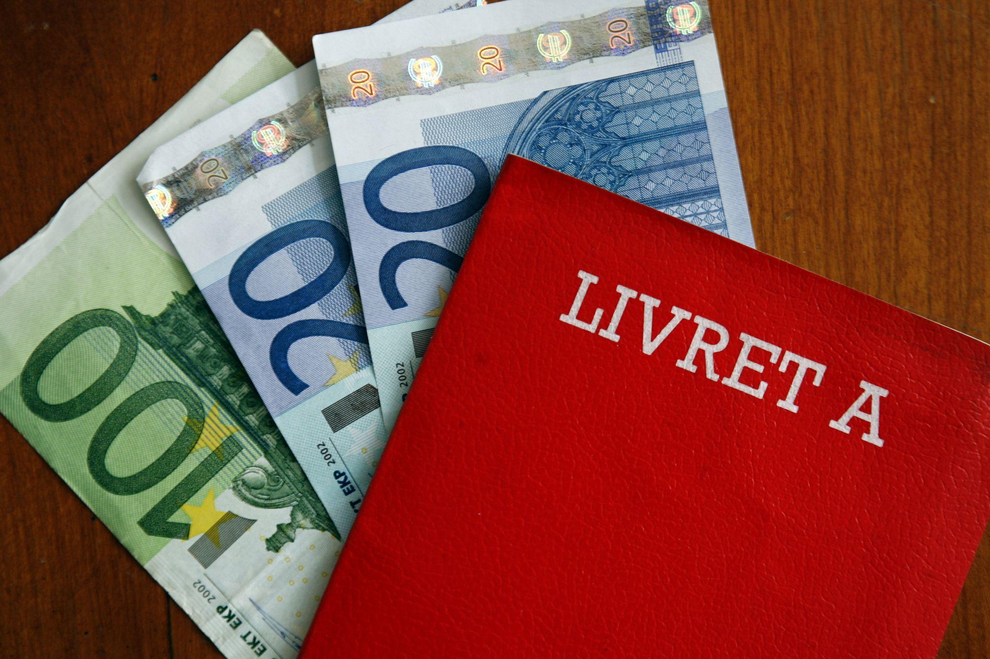 En Placant Leurs Economies Sur Le Livret A Les Francais Perdent De