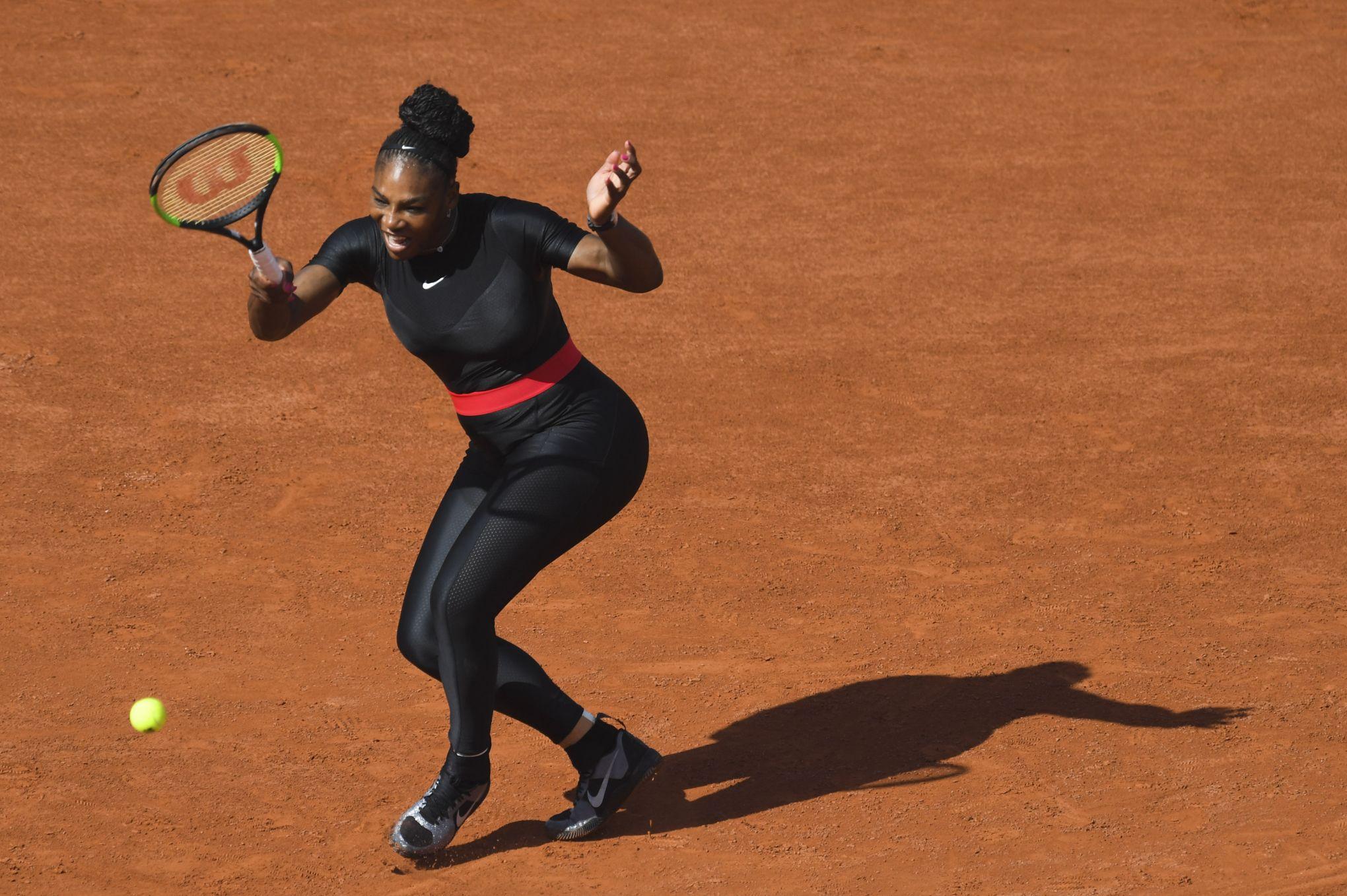 f41bec8945 Nike répond à la FFT au sujet de la combinaison de Serena Williams