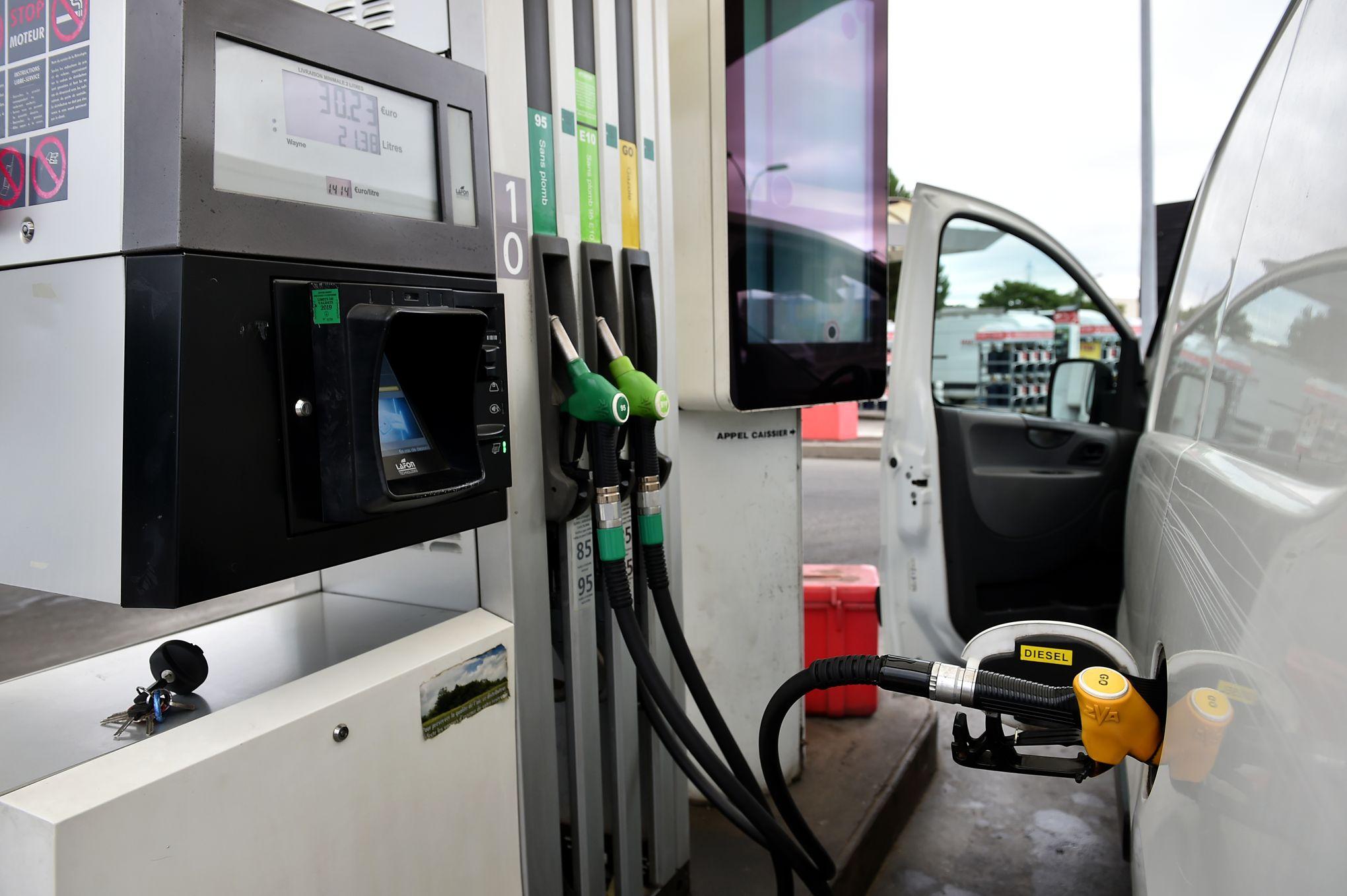 9efa7bf3fc19a2 Pour Elisabeth Borne, le prix du carburant va «continuer à augmenter»