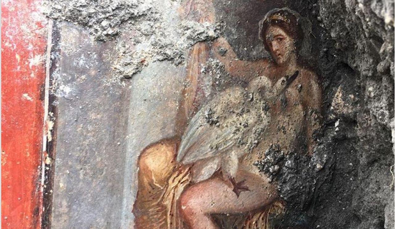 Exceptionnelle Découverte à Pompéi D Une Fresque Lascive