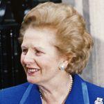 Margaret Thatcher , le 22 novembre 1990, annonce sa démission du poste de premier ministre.