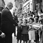 Le président de Gaulle en 1961 à Montauban lors d'un voyage dans le sud-ouest de la France.