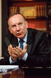 Pour Pierre Gattaz, «il est fondamental est de tailler dans les dépenses publiques».