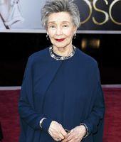 Emmanuelle Riva sur le tapis rouge des Oscars.