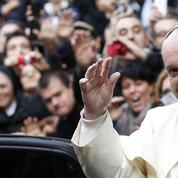 Le pape François attire trois fois plus de fidèles au Vatican que Benoît XVI