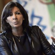 Travail le dimanche : Anne Hidalgo hausse le ton contre Emmanuel Macron