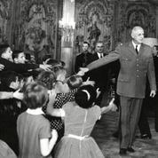 1964 : le Noël des enfants à l'Elysée avec le général de Gaulle
