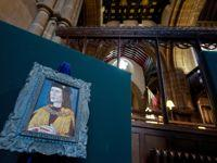 Un protrait de Richard III dans la cathédrale de Leicester où il devrait être inhumée.