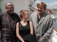 Pialat et Depardieu entourent Sandrine Bonnaire en 1987, lors de la présentation à Cannes de <i>Sous le soleil de Satan.</i>
