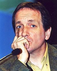 Jean-Claude Desenclos est directeur scientifique à l'INVS, président de l'action coordonnée «Recherche en santé publique dans le domaine des hépatites» de l'ANRS.