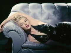 Marilyn Monroe : ses pensées illuminent les planches