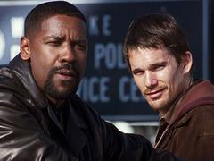Hawke et Denzel Washingtondans Les Sept Mercenaires
