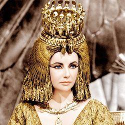 Elizabeth Taylor dans <i>Cléopâtre</i> de Joseph L. Mankiewicz.