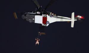 Heureusement, son parachute s'est bien ouvert!