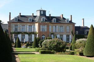 Le parc du château et ses jardins à la française.