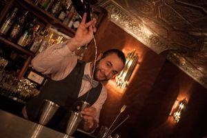 Inko Garat, le barman du Ballroom.
