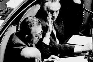 Giulio Andreotti, sénateur à vie depuis 1991. Ici, à l'hémicycle, en juillet 1993.