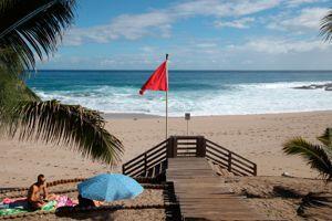 La plage de Boucan-Canot à Saint-Gilles en Reunion (Crédits: RICHARD BOUHET / AFP)