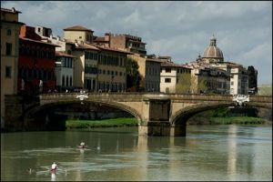 Florence vue des rives de l'Arno.