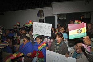 Manifestation devant l'ambassade de France en Bolivie.