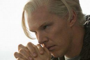 Cumberbatch dans la peau d'Assange (Crédits photo: © Constantin Film Verleih)