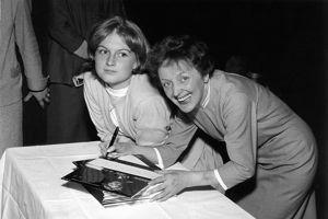 Édith et Mijanou Bardot, la soeur de B.B. © Yvon Beaugier / Musée Édith Piaf