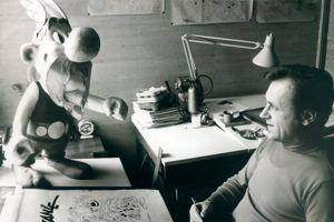 Albert Uderzo à sa table à dessin, 1970DR