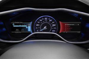 L'écran d'informations comporte une jauge de batterie et un indicateur d'autonomie
