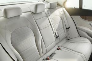 Les places arrière sont plus spacieuses.