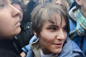 Ekaterina Samoutsevitch à sa sortie de prison.