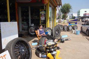 Un second garagiste aura les bons pneus.